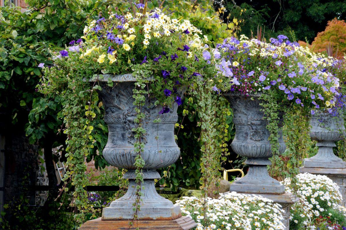 Cast_Iron_garden_furniture_at_Larch_Cottage_Nurseries
