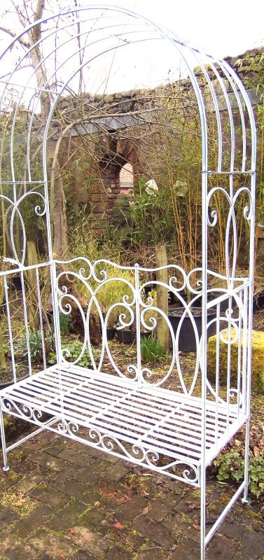 garden_furniture_from_Larch_Cottage_Nurseries